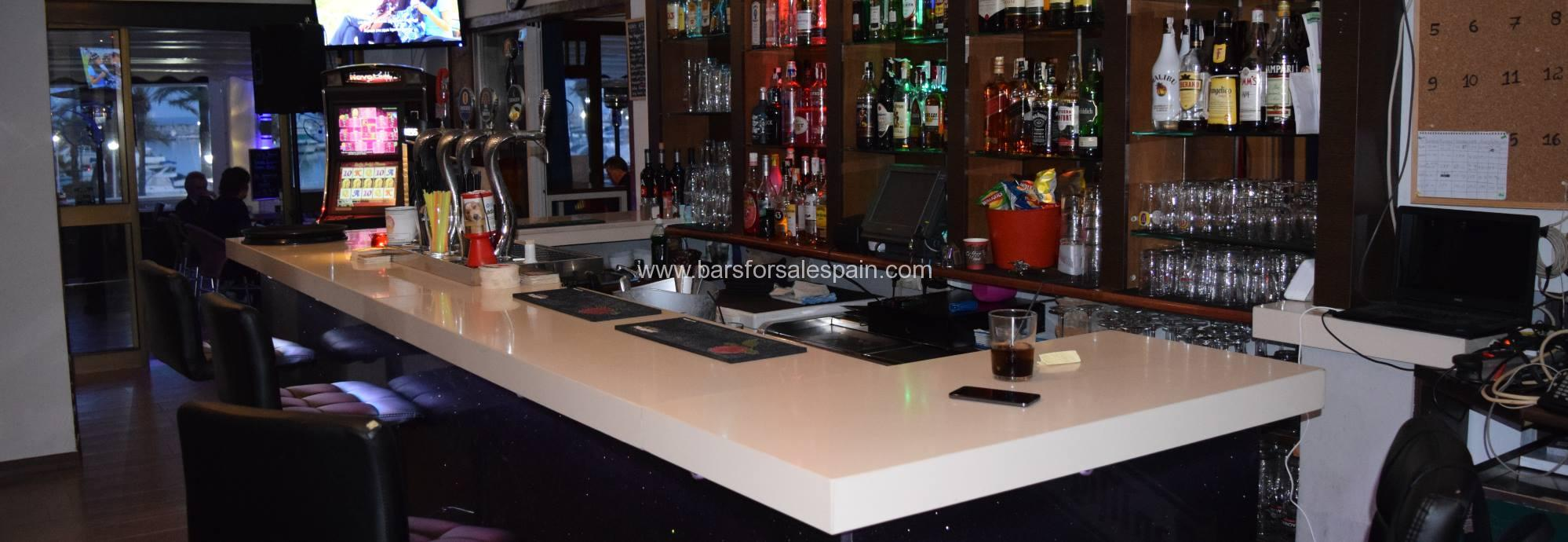 Bar and Restaurant For Sale in Duquesa, Manilva, Spain