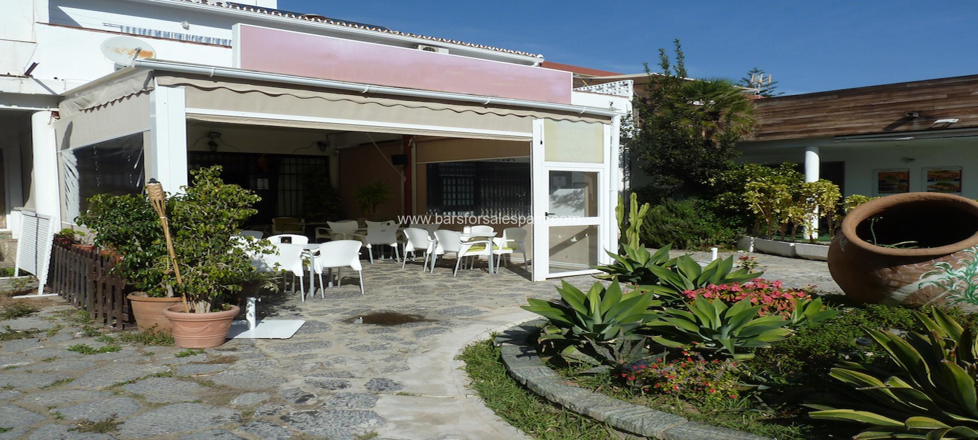 Quaint cafe bar for sale in Fuengirola, Costa del Sol, Spain