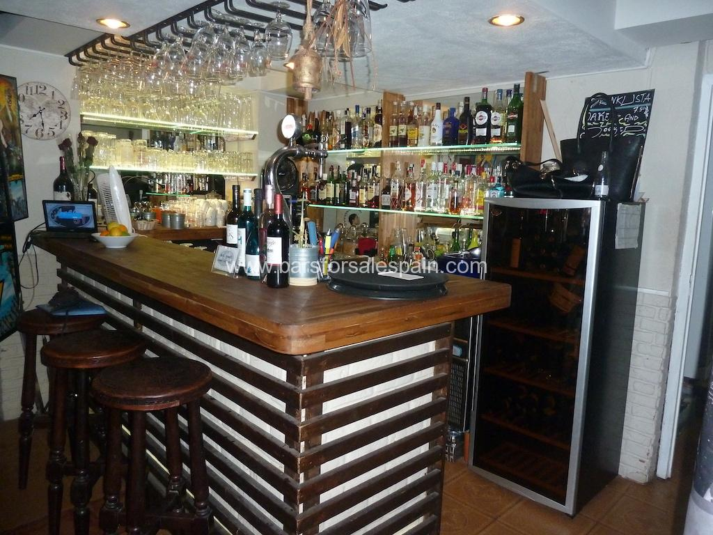 Vibrant  Restuarant Café bar for Sale in Fuengirola