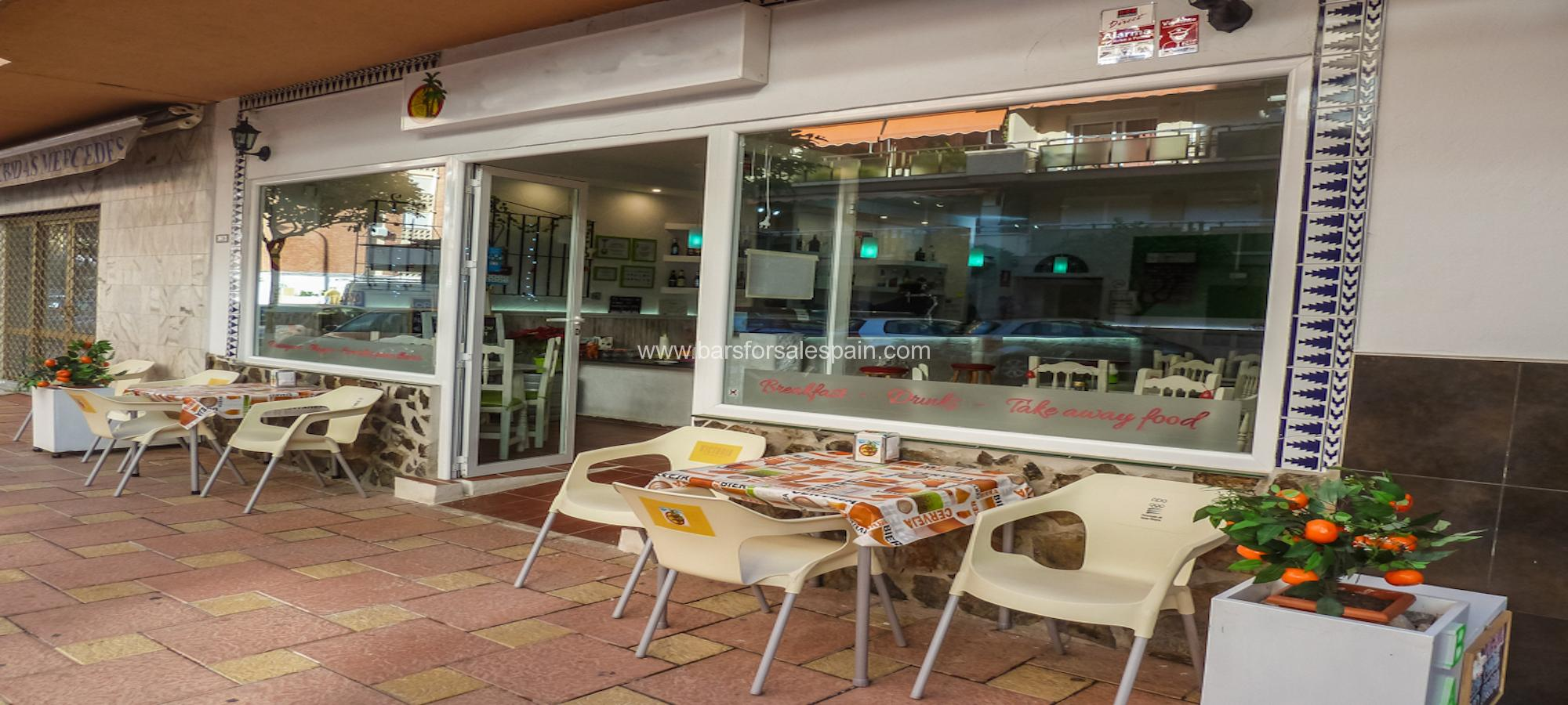 Starter bar with low overheads for lease in Fuengirola