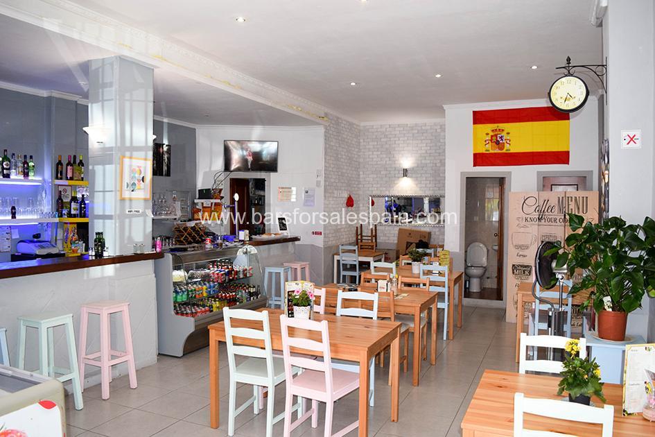 Lovely Modern Tapas Bar in Central Fuengirola