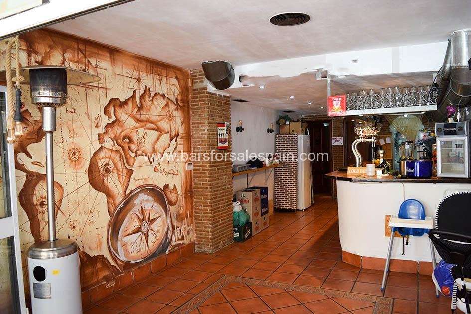 Very Central Bar With Good Sized Terrace in Fuengirola