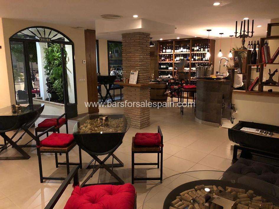 Fantastic Wine Bar in Central Marbella